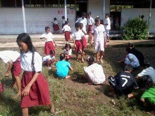 Kegiatan SEKOLAH SEHAT Di 3 Sekolah Desa Terusan Raya (3/6)