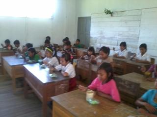 Kegiatan SEKOLAH SEHAT Di 3 Sekolah Desa Terusan Raya (4/6)