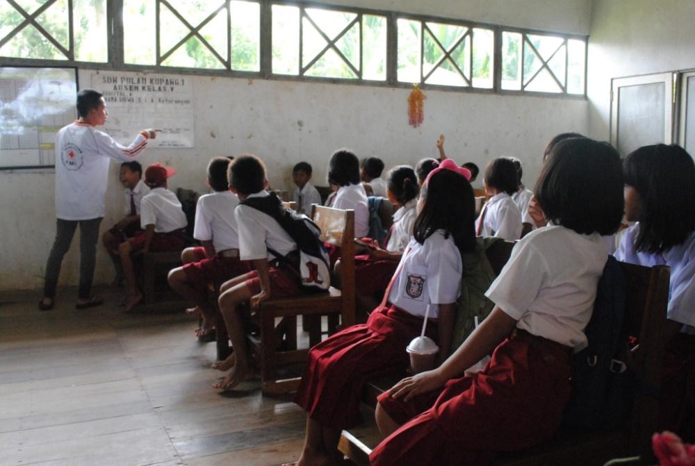 Kegiatan Sekolah Sehat di SDN 1 Pulau Kupang (1/6)