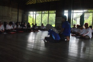 pembukaan pelatihan oleh team fasilitator