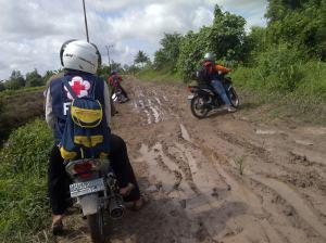 perjalanan menuju Pulau Kupang menggunakan transportasi darat