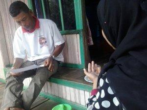 Relawan Menanyakan kepada RD tentang Data keramik Filter