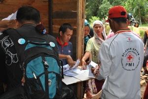 Pendistribusian keramik filter di Pulau Kupang
