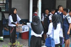Galang Dana di SMPN -1 Kapuas