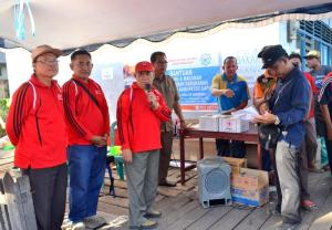 Pak H. Agung memerikan sambutan pada saat acara pendistribusian Bantuan