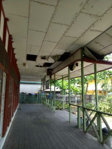 i Plafon Sebelum Renovasi